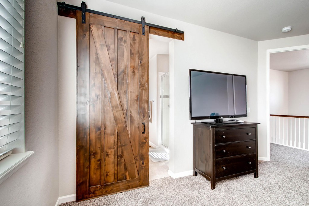 customer carpentry barn door